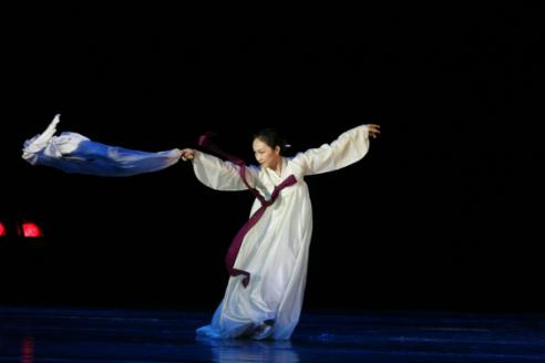 舞蹈《阿里郎》舞蹈《阿里郎》央广网安图7月5日消息 6月21