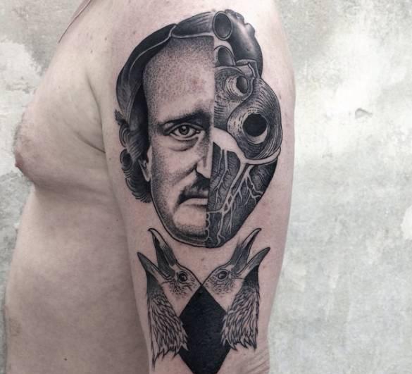 hisch的纹身作品也是最为独特的其中之一,原因是他永远只纹半个图案.图片