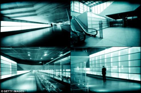 在等地铁时 做出这些动作会被怀疑要自杀! - 康斯坦丁 - 科幻星系
