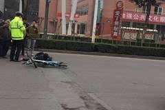 自贡昨日又发生两起车祸,年关将至出行请小心!