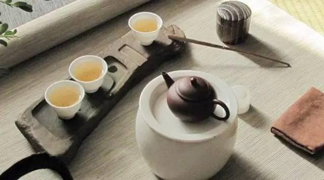 《茶颂》:人谓百花好,我称茶独王