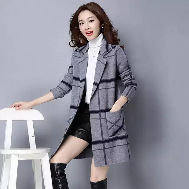 冬季中长款外套针织少女展现a外套迷人女生从太身姿man图片