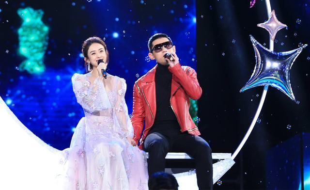 赵丽颖东方卫视跨年假唱了 但造型美如天仙