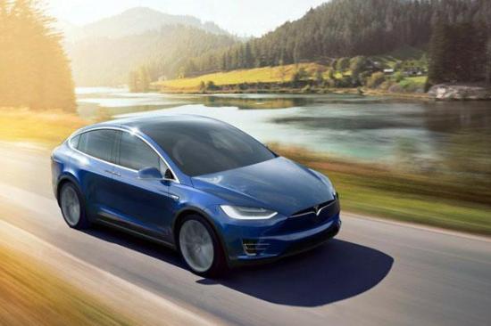 "Model X突然加速撞进客厅 特斯拉在美遭起诉"""