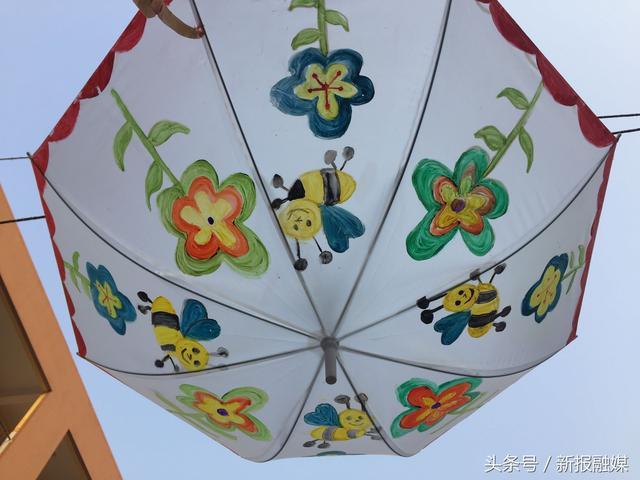 """""""一身绿霓裳,一把油纸伞"""" 绘古典校园"""