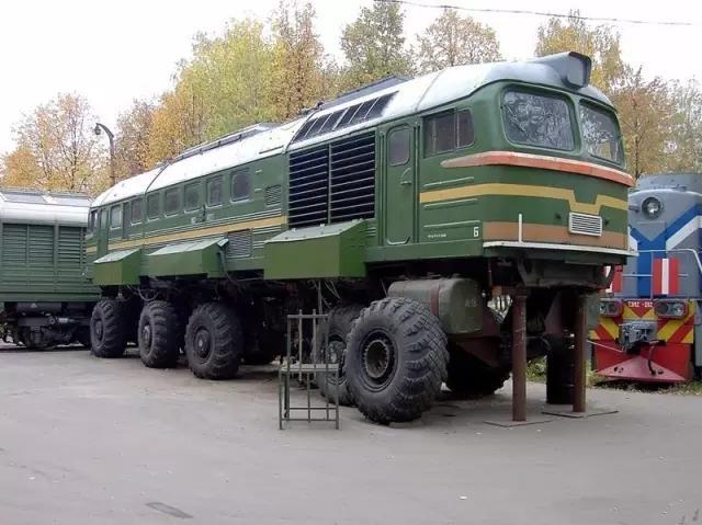 """谁说不能帮火车补胎?来看看战斗民族的限量火车"""""""