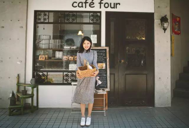 辞去律师工作,她变身摄影师和旅行家,活成了