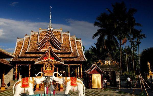 旅游 正文  这里多数是少数民族,处处充满着东南亚的异域风情.