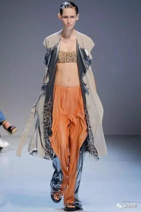 绑带服装设计手绘图