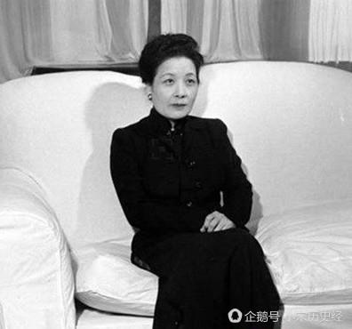 宋美龄从不卸妆,蒋介石没见过她素颜