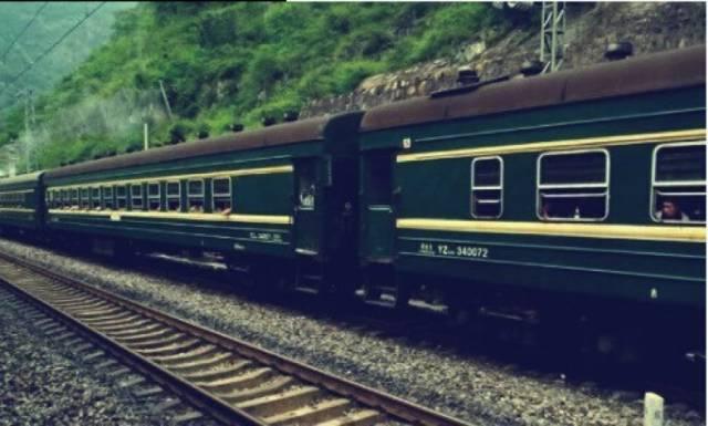 穿越到民国,你还是只能坐硬座 火车与阶级 土逗专栏