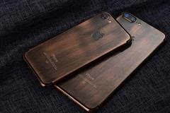全球限量版棕色复古Phone 7