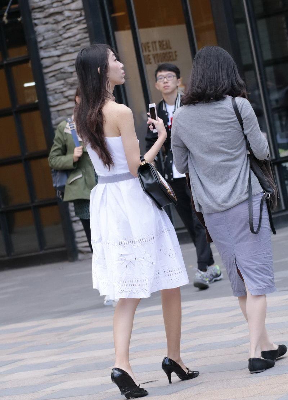商业街见到的高个子美女