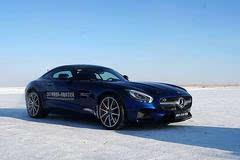 学会一生受用的驾驶技巧2017梅赛德斯奔驰冰雪对决
