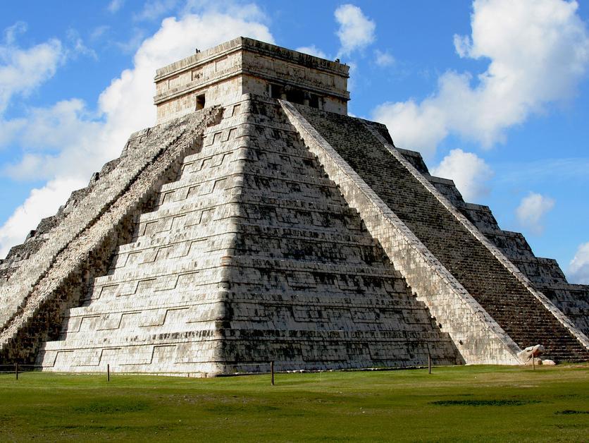 埃及金字塔是国王法老陵墓,而美洲玛雅人的金字塔,并不全是帝