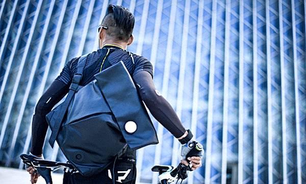 背包界的最黑科技,智能与时尚完美结合的ces大奖得主!图片