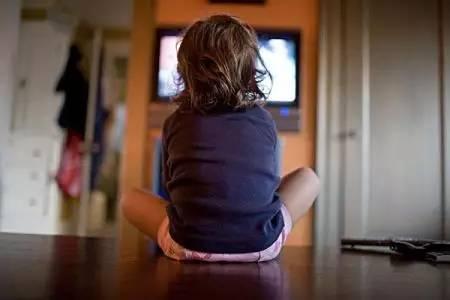 小孩经常看电视和不看电视的差别居然如此之大!-搜狐教育