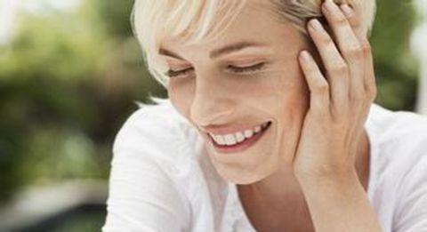 福乐生生发:女性更年期脱发如何治疗
