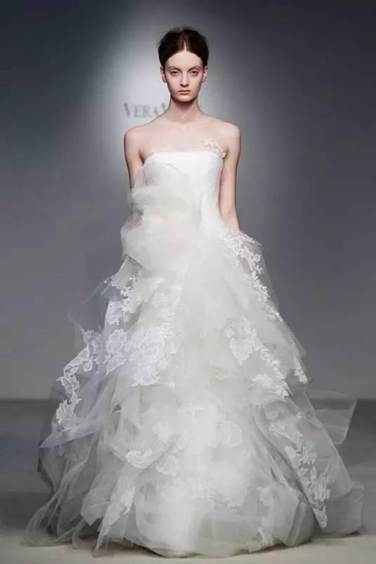 最新款婚纱_2021美甲最新款图片
