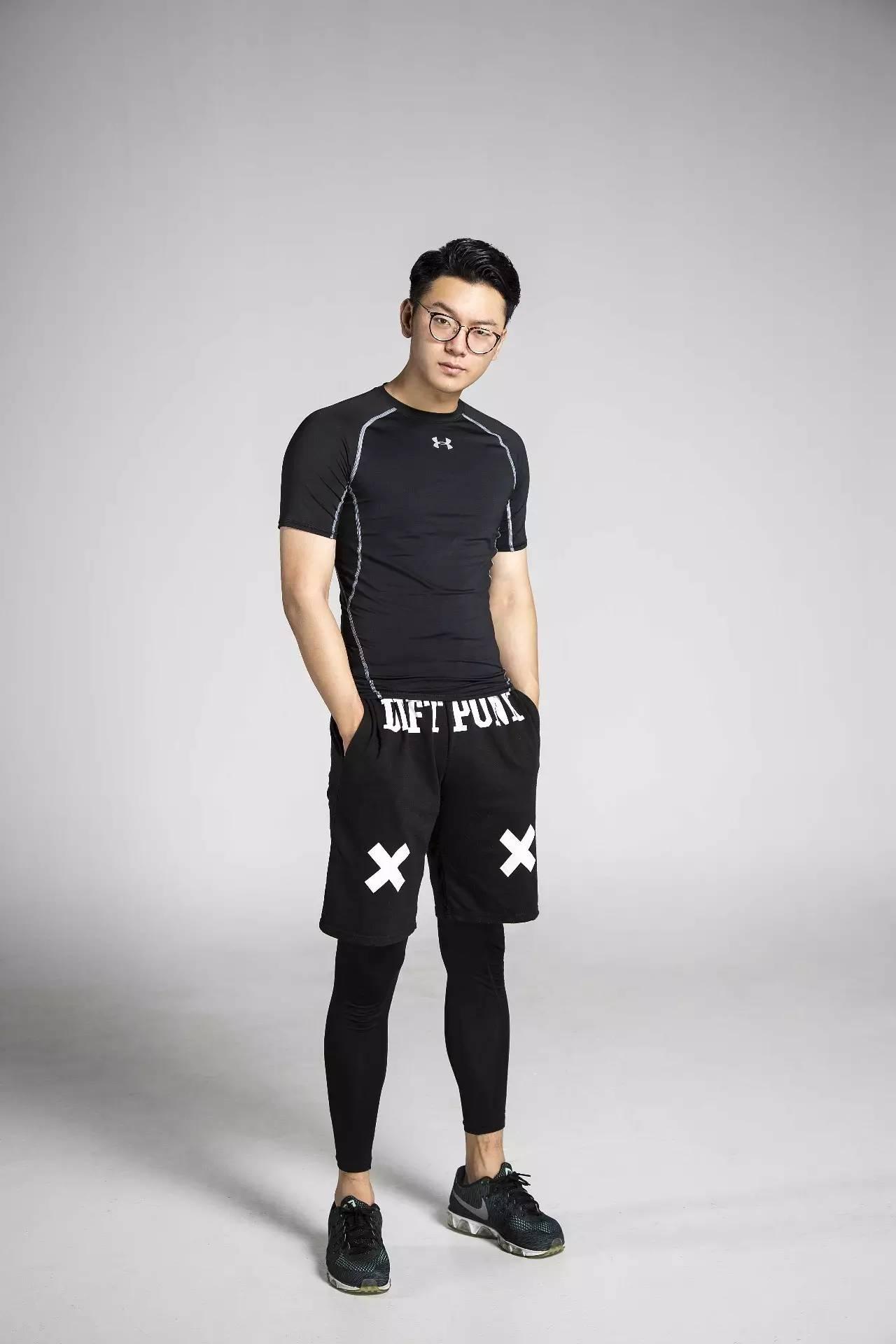 韩国男神级私教东区高空健身体验,让你从此