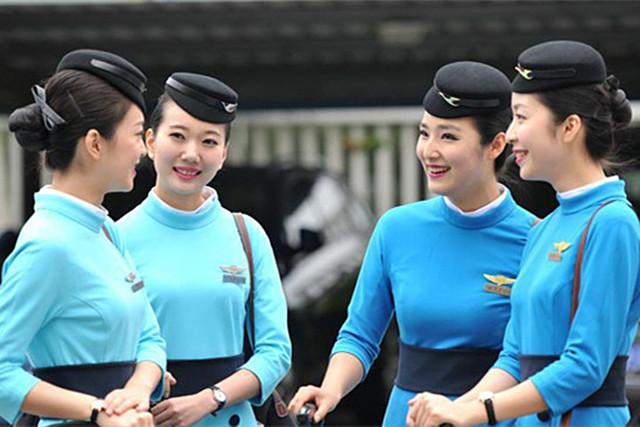 4、地方性国企航司代表:厦门航空   乘务员(安全员):1200元~17500元;   乘务长:17200元~18200元+;   客舱经理:19500元-23100元。