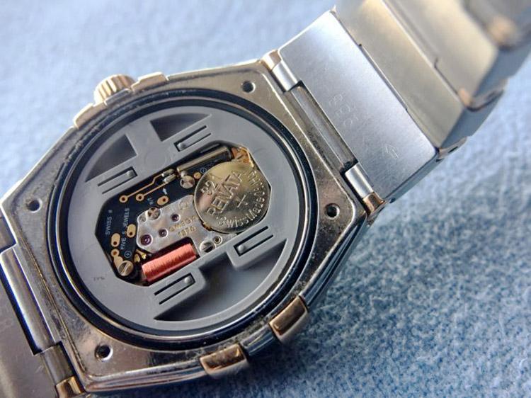 欧米茄1376 售价在2万左右 表主叙述维修原因和要求:手表因误入洗衣机图片