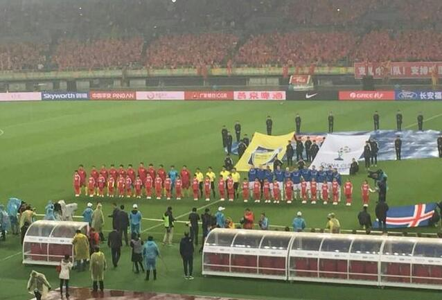 容是这样的:(451阵型)   昨晚八点,在广西省体育中心,中国杯比