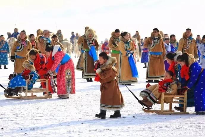 2017年1月7日第十四届内蒙古冰雪那达慕暨第七届冬季蒙古族服装服饰艺术