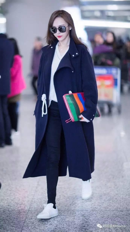 锐度嫣儿绳-超长款藏青色廓形大衣,今年最流行的超长款,非常适合身材高挑的糖