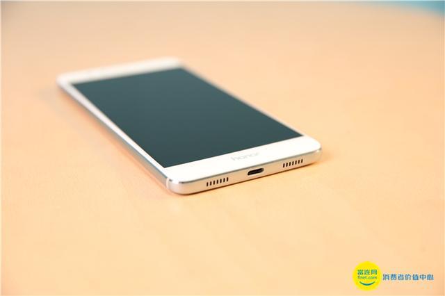华为首款2K屏手机 配备双摄还具备高颜值