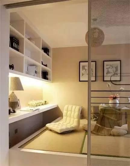 一个小房间就兼顾了卧室,书房,茶室等多重功能.图片