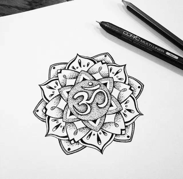 在印度,曼陀罗花被认为是天界的花.