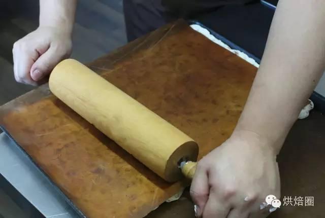 烘焙圈子:自制手工牛轧糖