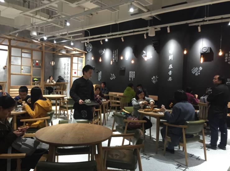 这家上海网红早餐店满座,复古工业风的装修透着文艺范图片