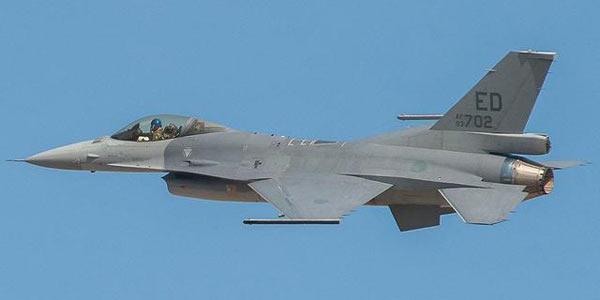 台媒 台军开始升级F16战机 叫嚣可与歼20匹敌