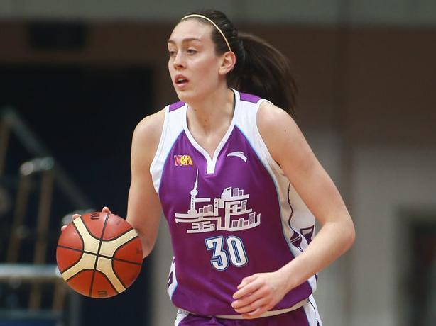 上海女篮外援返美治疗膝伤 将错过WCBA全明星赛