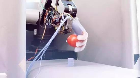 220v无刷直流电机,让机器人抓取个衣服,为何如此难?