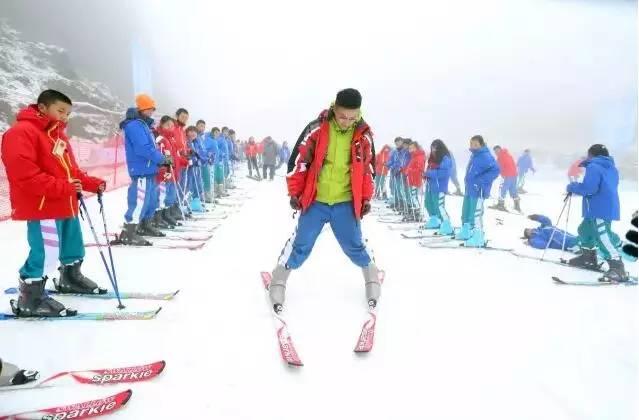 随着玉舍雪山滑雪场梅花山国际滑雪场盘州云海乐原滑雪场的先后建成