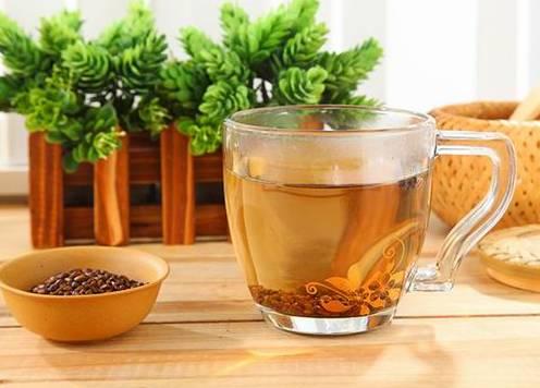 口臭的根源在脾胃,过节更严重,用它煮水喝立马见效!