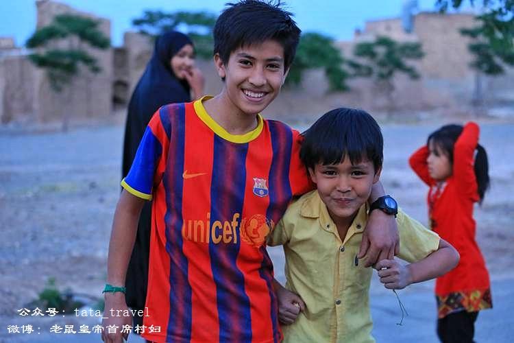 伊朗女孩儿踢足球都得把自己蒙得严严实实(伊朗连载11) - 老鼠皇帝首席村妇 - 心底有路,大爱无疆