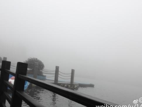 第一次游明月山难识真面目:乘索道而上似飘在雾中
