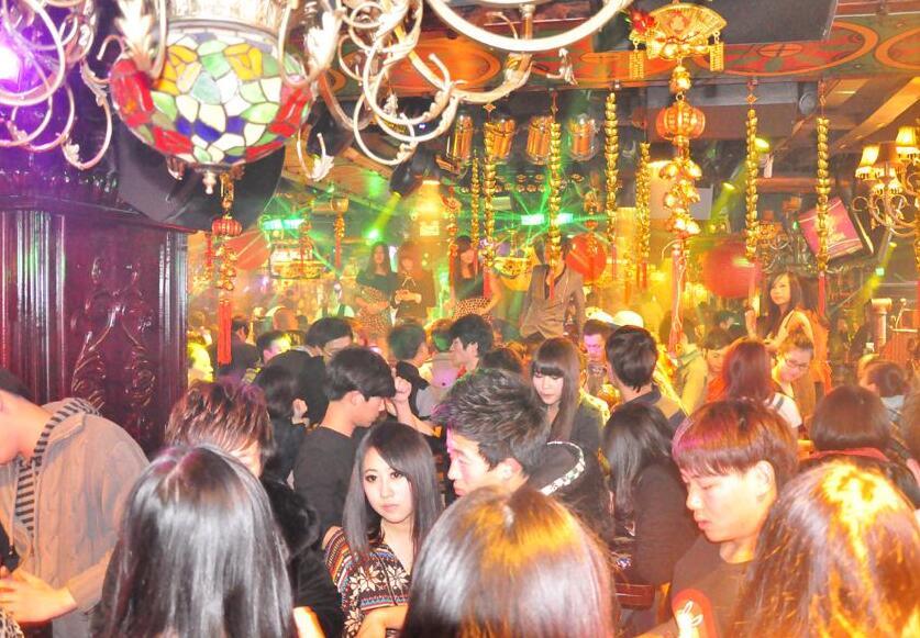 菲芘酒吧杭州店美女多么