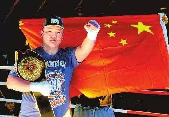 大块头有大拳击,亚洲泰森张君龙:将中国智慧做视频滕信图片