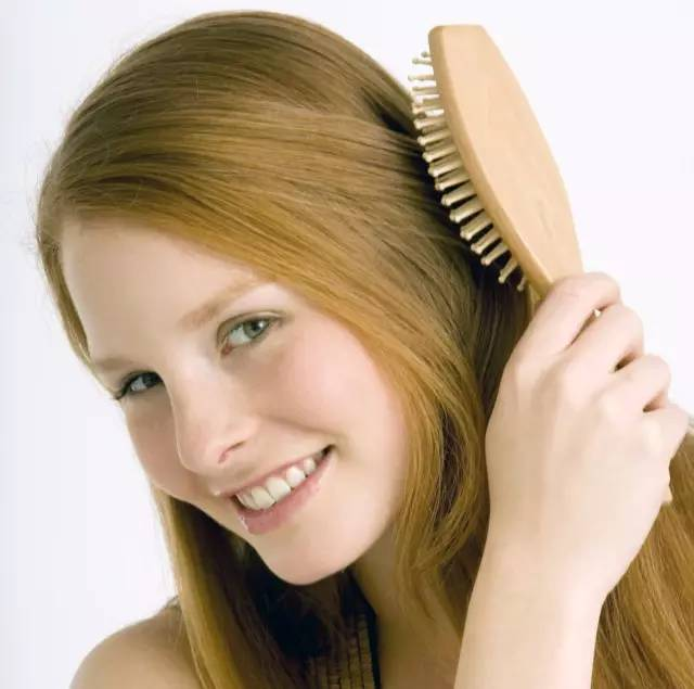 头发疯狂起静电?换款梳子和洗发水就好啦(摊手)图片