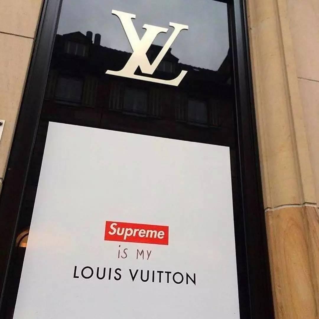 Fondation Louis Vuitton further D44UWRQK ciQRVc besides Listopadno 20  20glog eng additionally Giorgio Armani besides Fullsize. on louis vuitton