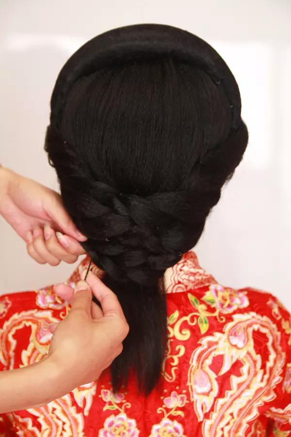 复古中式新娘妆教程图片