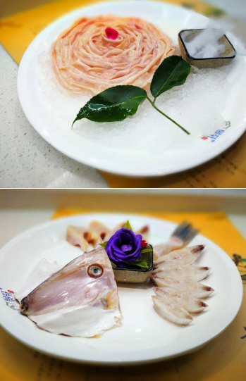 菜品是传统老火锅那些经典菜和精品生鲜,另外摆盘