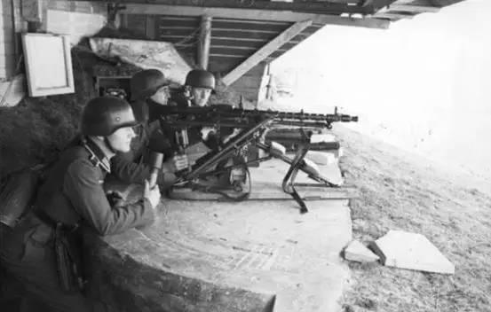 转载二战中此人的失误,导致了六千人上阵5810人伤亡的惨败一战 - 云淡风清 - 随心z.y的博客