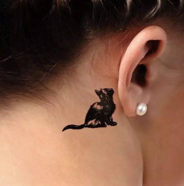 适合女生的mini猫咪纹身图片