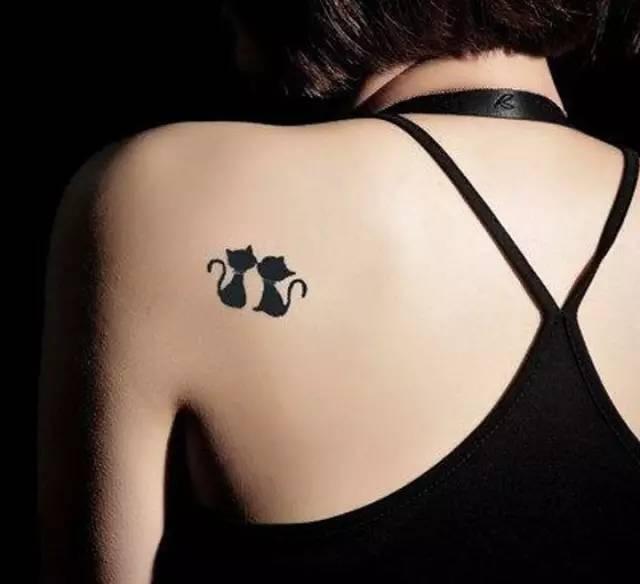 适合女生的mini猫咪纹身